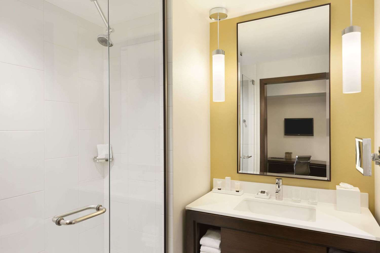 Room - Alexander Hotel Indianapolis