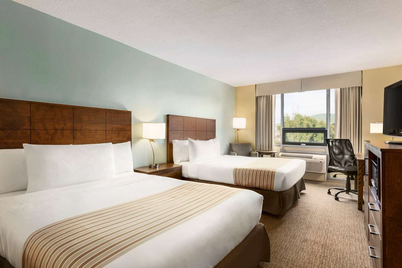Room - Travelodge Sydney