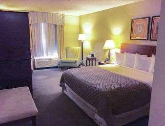 Room - Ramada Plaza Hotel Airport Atlanta