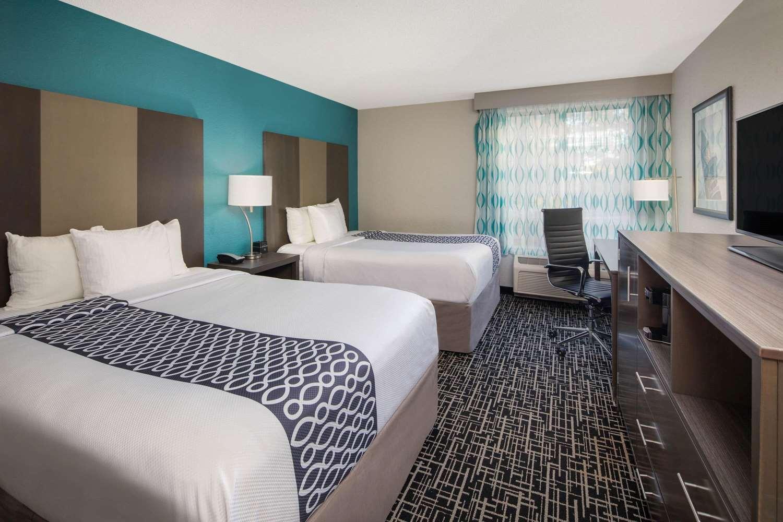 Room - La Quinta Inn & Suites East Point