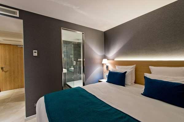 Hotel GOLDEN TULIP SOPHIA ANTIPOLIS - HOTEL & SPA - Superior Room Terrace and enjoy a 1h30 spa access
