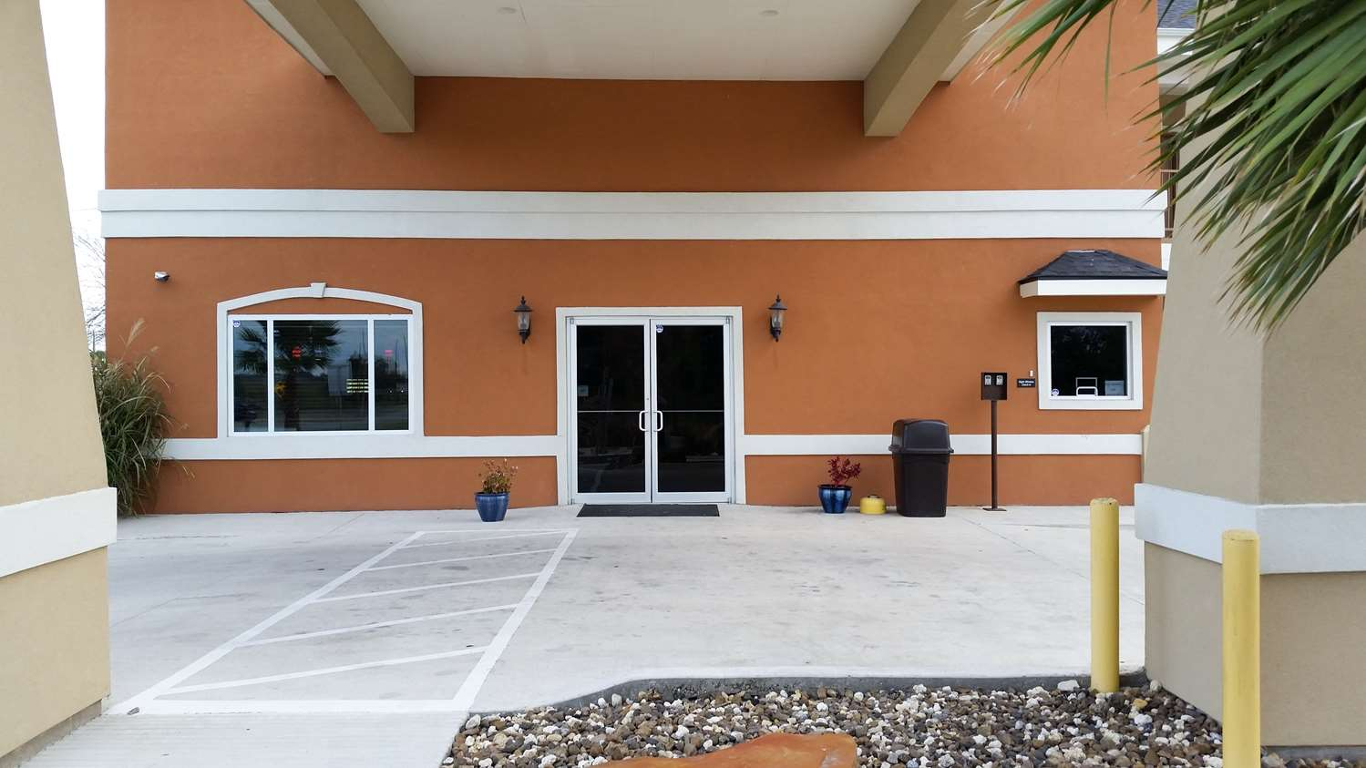 Exterior View Studio 6 Extended Stay Hotel Beeville