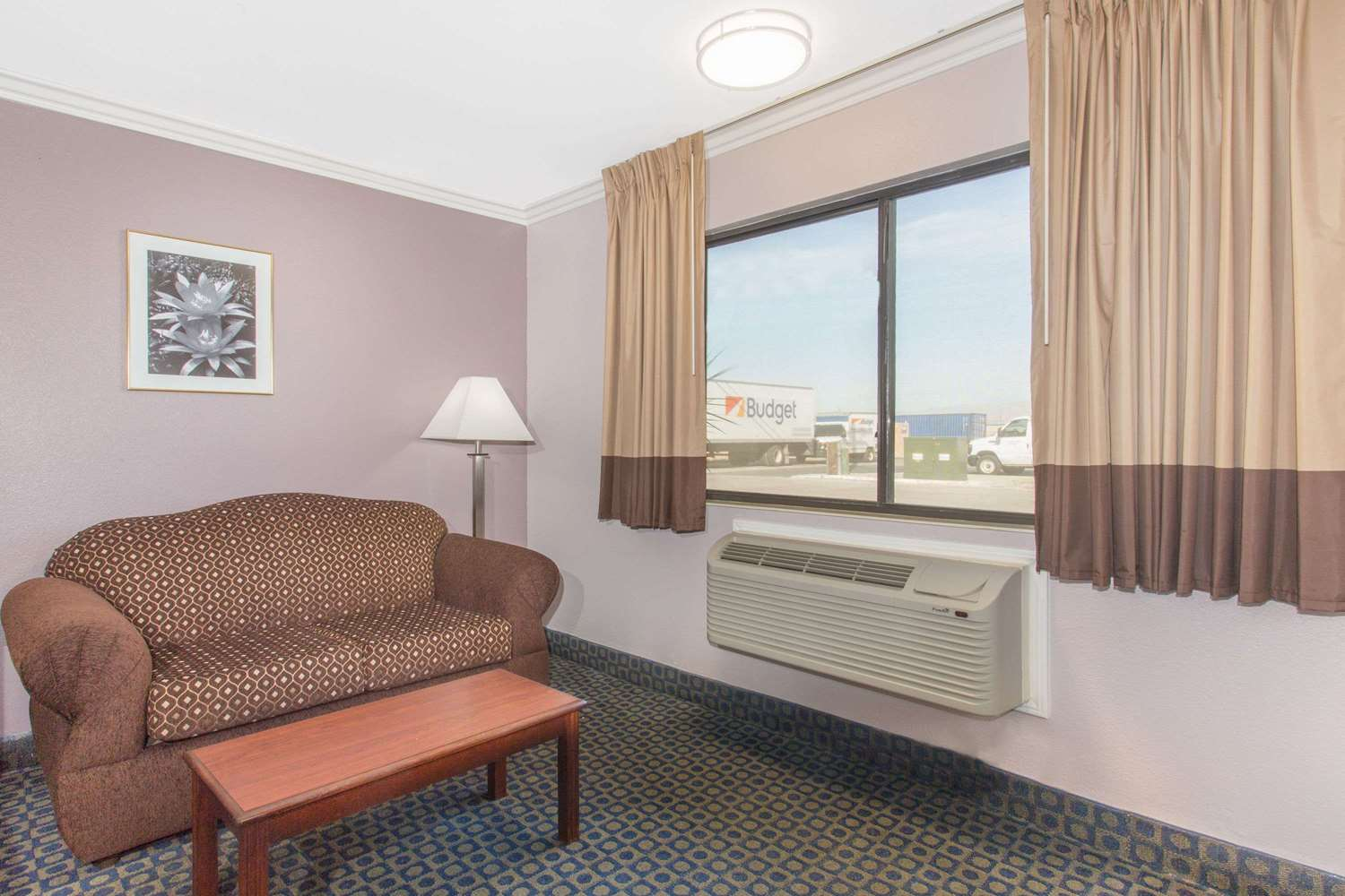 Room - Days Inn Indio