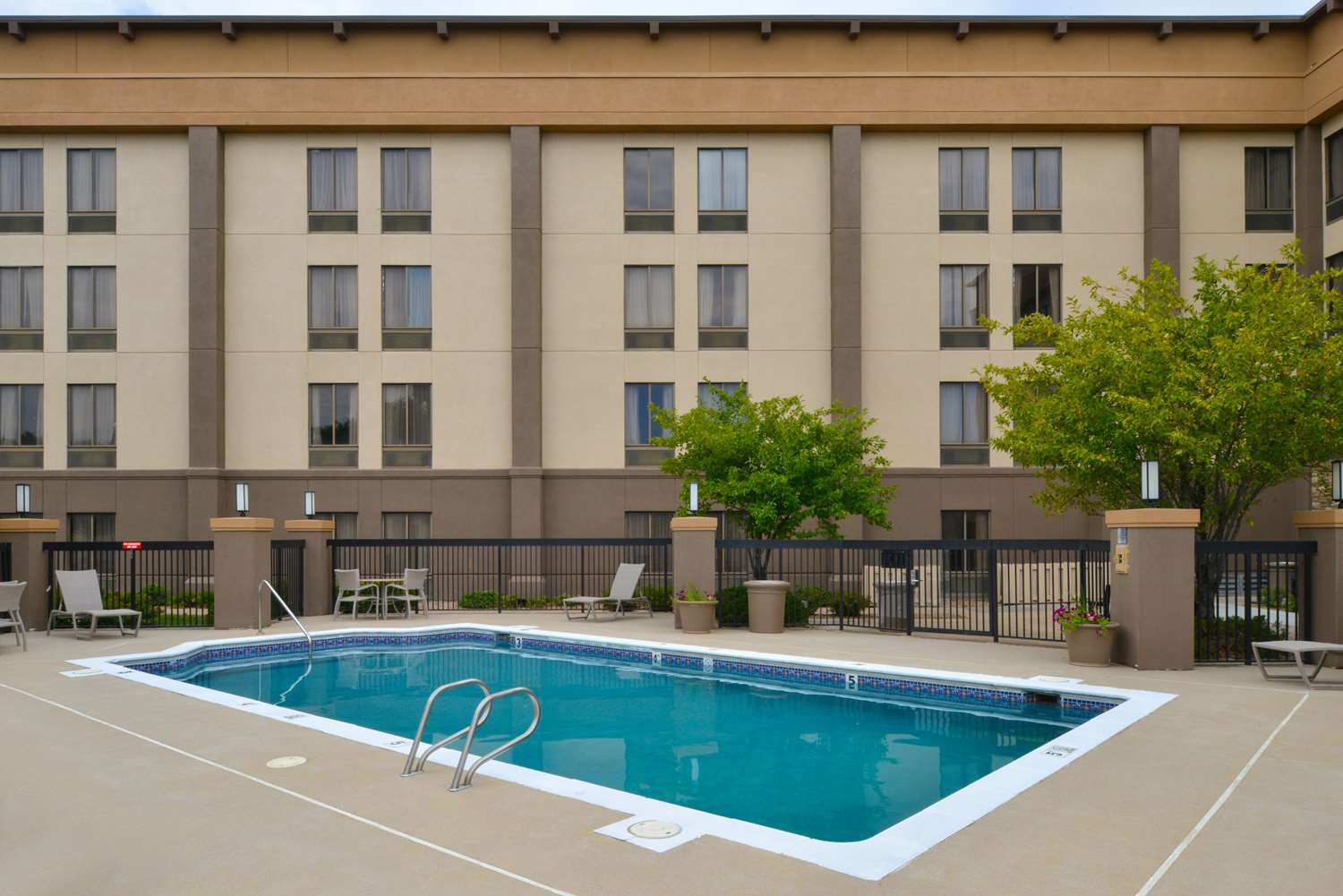 Pool - Best Western Plus Wichita West Airport Inn