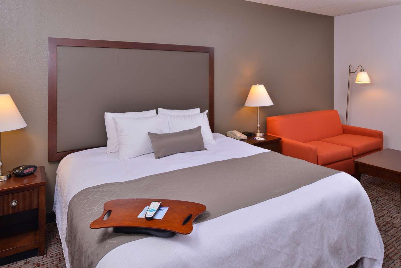 Suite - Best Western Plus Wichita West Airport Inn