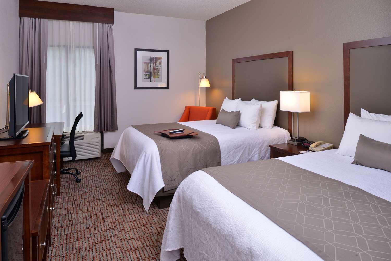 Room - Best Western Plus Wichita West Airport Inn