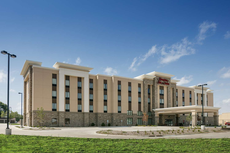 Exterior view - Hampton Inn & Suites Mason City