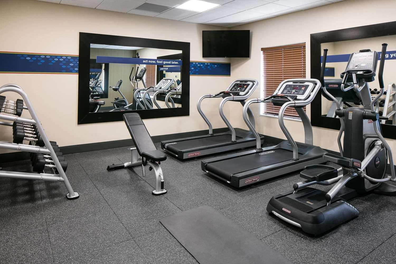 Fitness/ Exercise Room - Hampton Inn & Suites Mason City