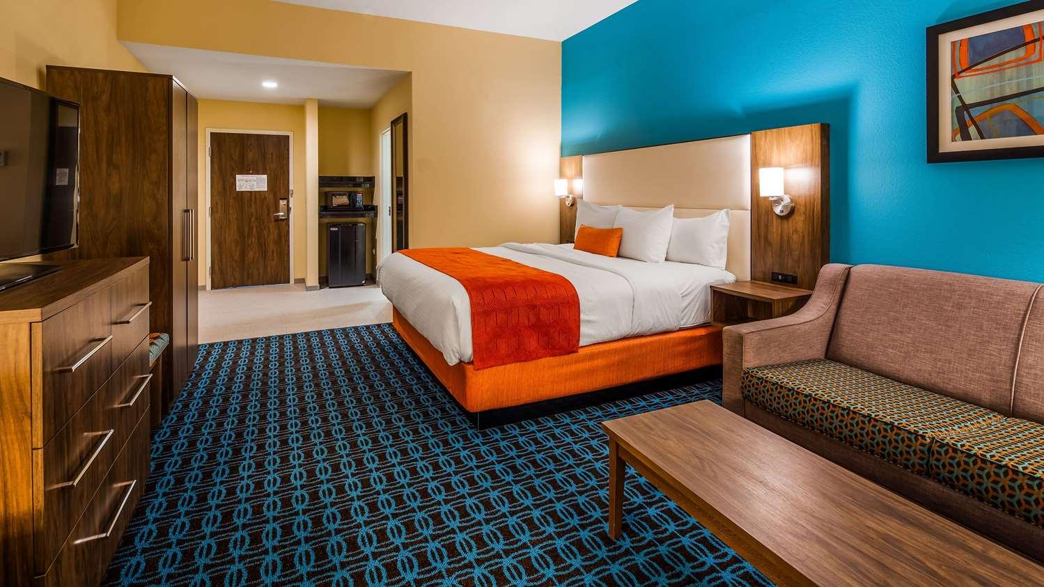 Room - Best Western North Shore Hotel Danvers