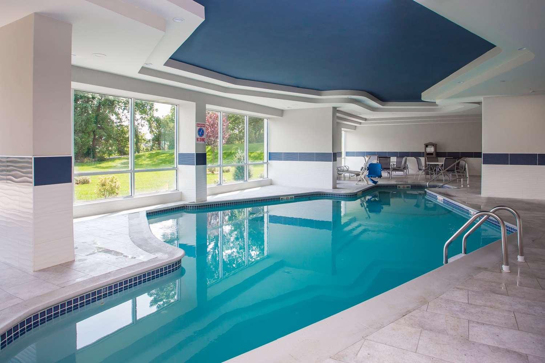 Pool - Best Western North Shore Hotel Danvers