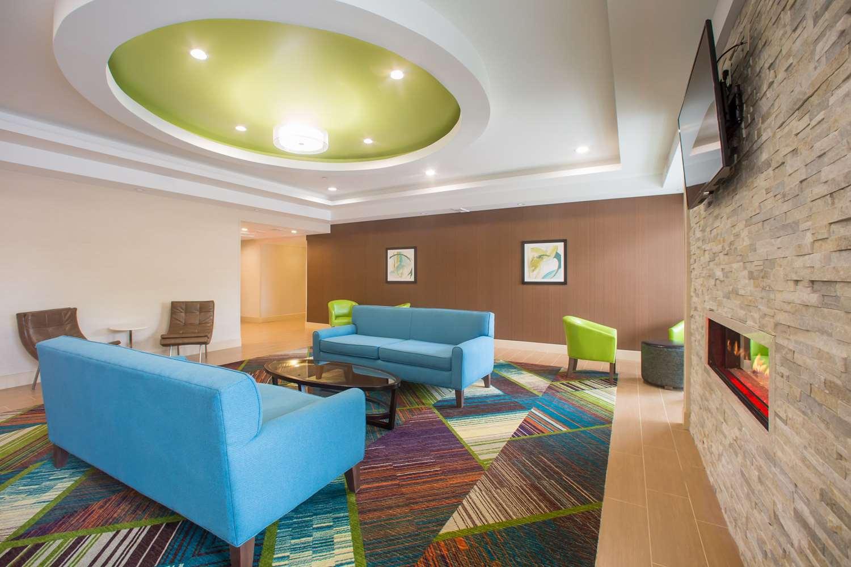 Lobby - Best Western North Shore Hotel Danvers