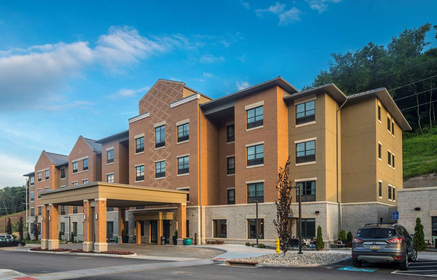 Exterior View Best Western Plus Inn At Franciscan Square Steubenville