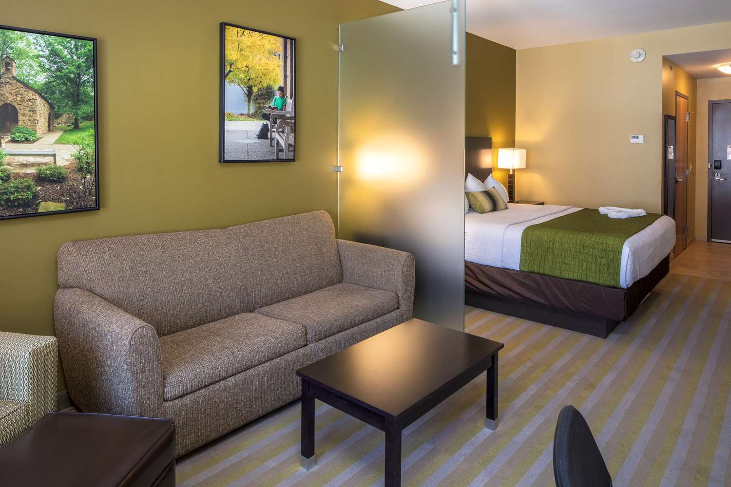 Pet Friendly Hotels Near Steubenville Ohio
