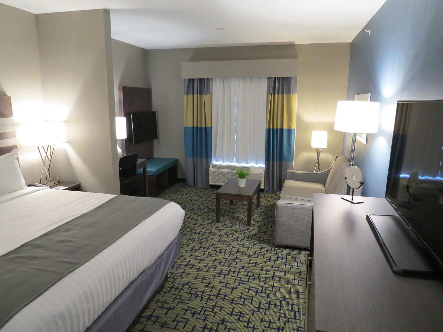 Suite - Best Western Plus Erie Inn & Suites