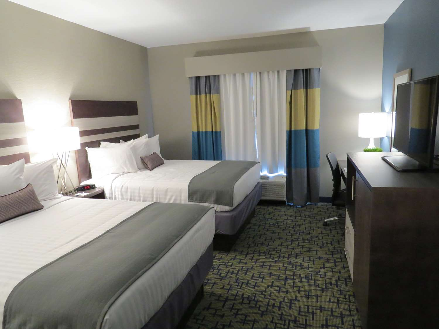Room - Best Western Plus Erie Inn & Suites