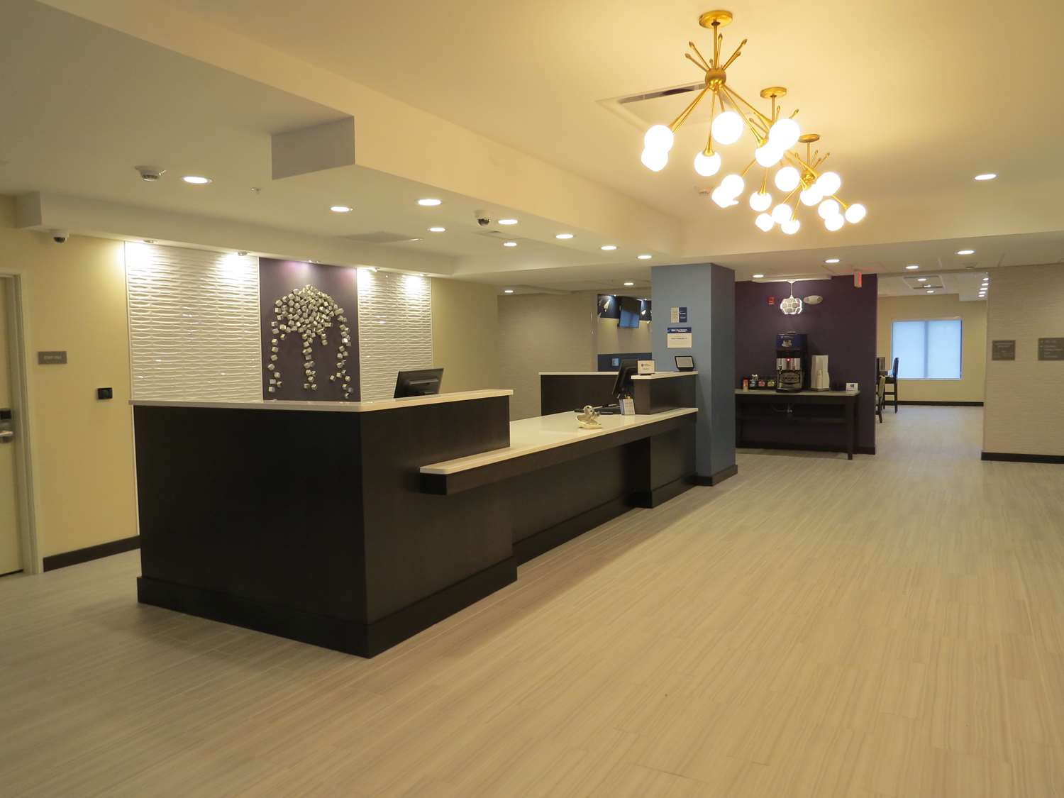 Lobby - Best Western Plus Erie Inn & Suites