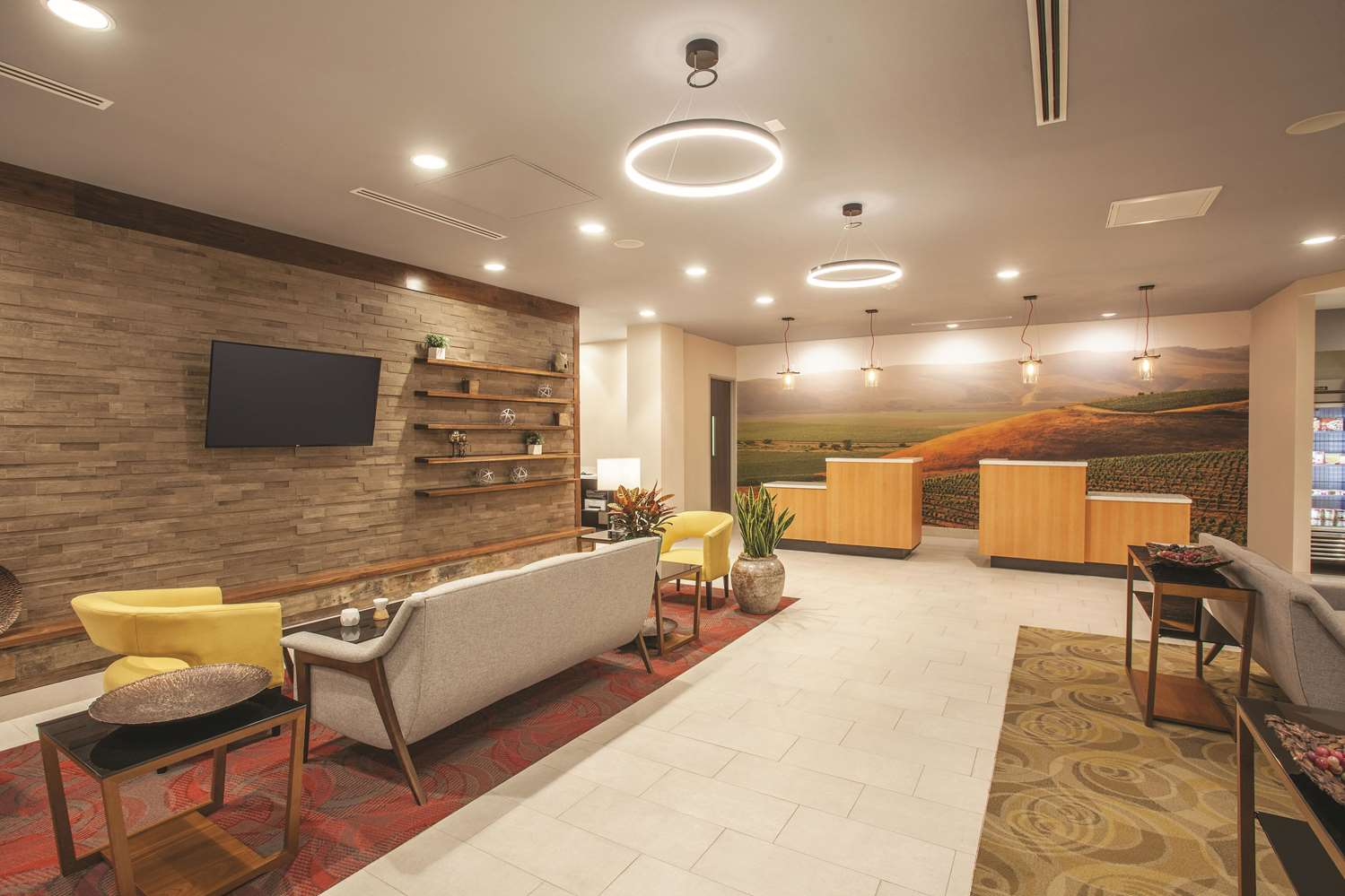 Lobby - La Quinta Inn & Suites Morgan Hill
