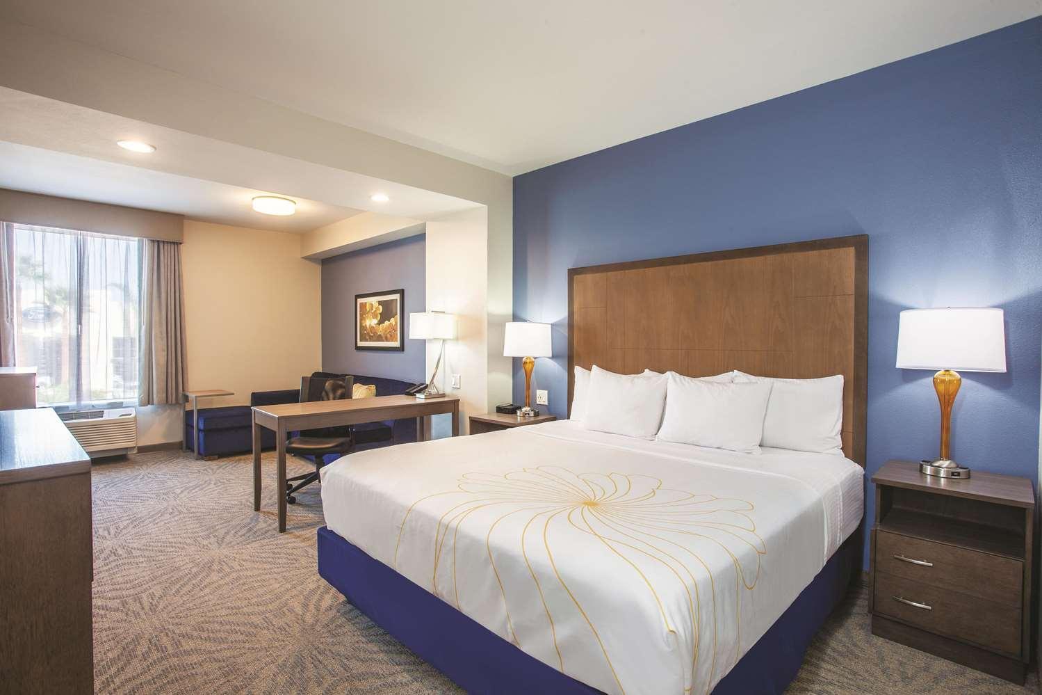 Room - La Quinta Inn & Suites Morgan Hill
