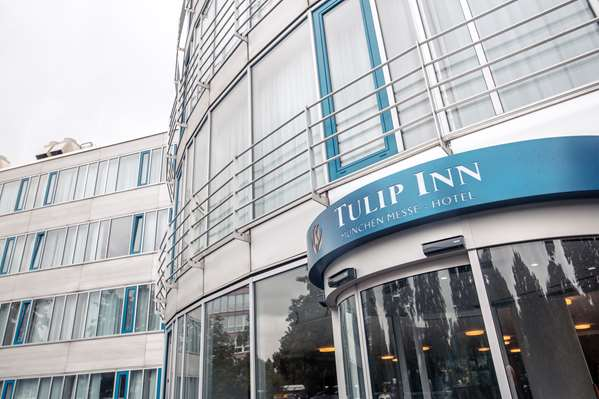 View of the hotel Munich TULIP INN MÜNCHEN MESSE. The hotel includes the following equipment: Air condition available, Parking available for a fee, Public area free wifi.