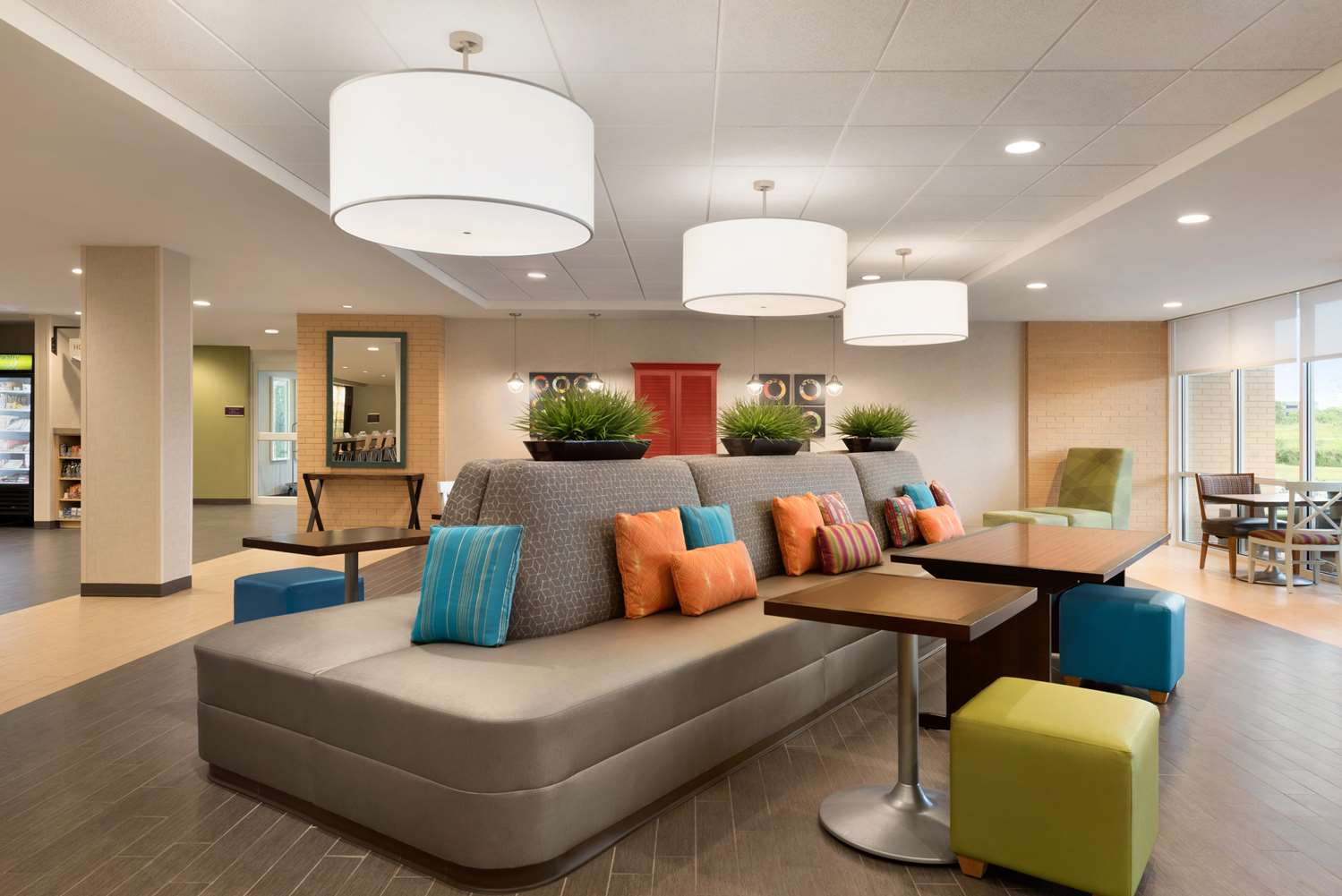 Lobby - Home2 Suites by Hilton Waukesha