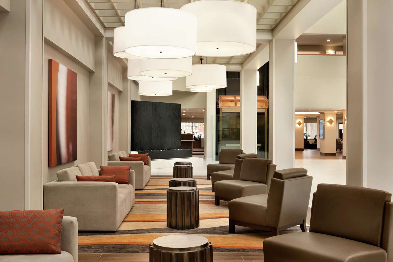 Lobby - Embassy Suites Brookfield