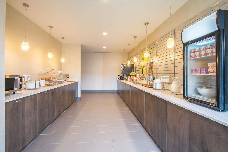 proam - La Quinta Inn & Suites York