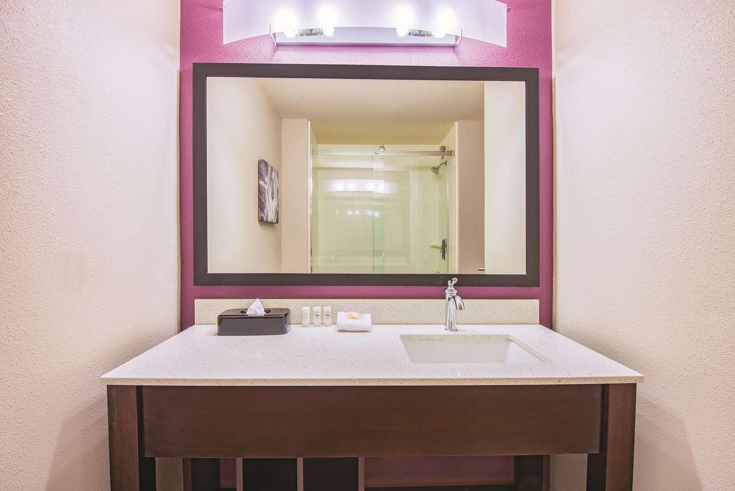 Room - La Quinta Inn & Suites York