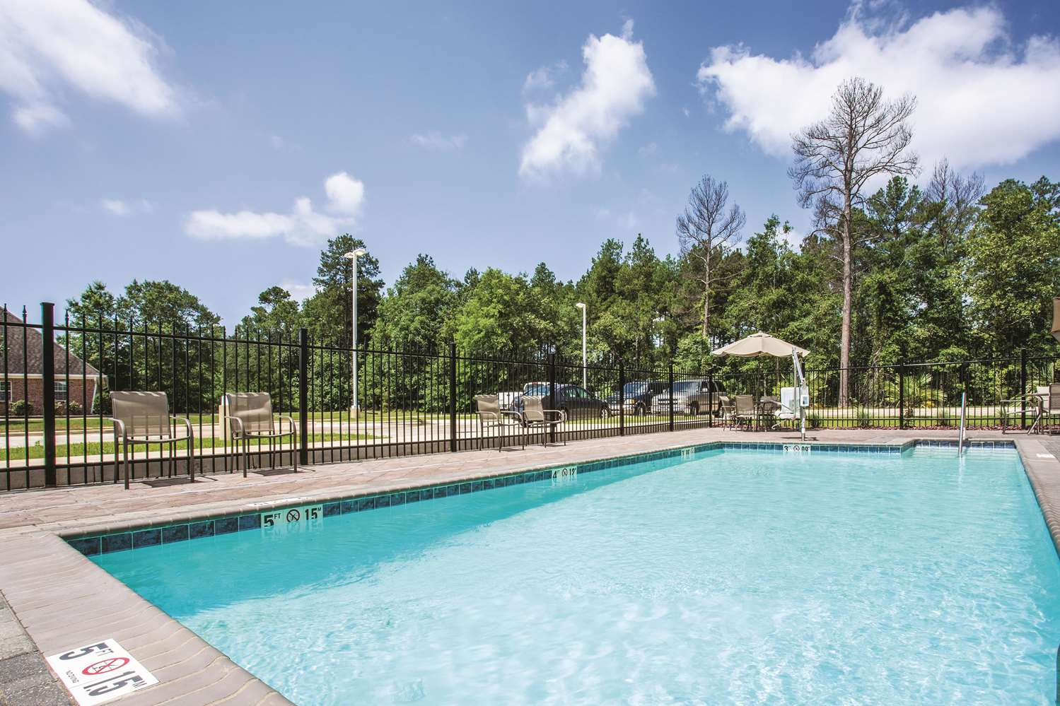 Pool - La Quinta Inn & Suites West Monroe