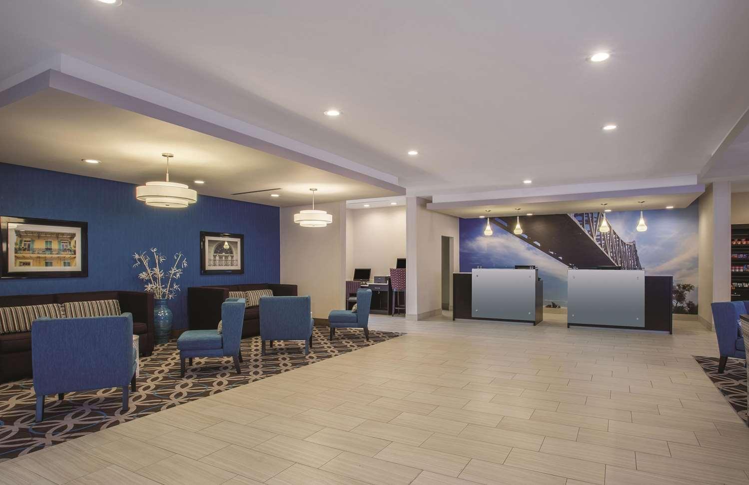 Lobby - La Quinta Inn & Suites West Monroe