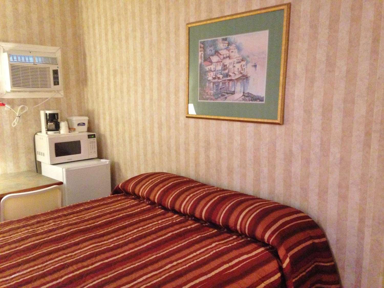 Room - Canadas Best Value Inn Calgary
