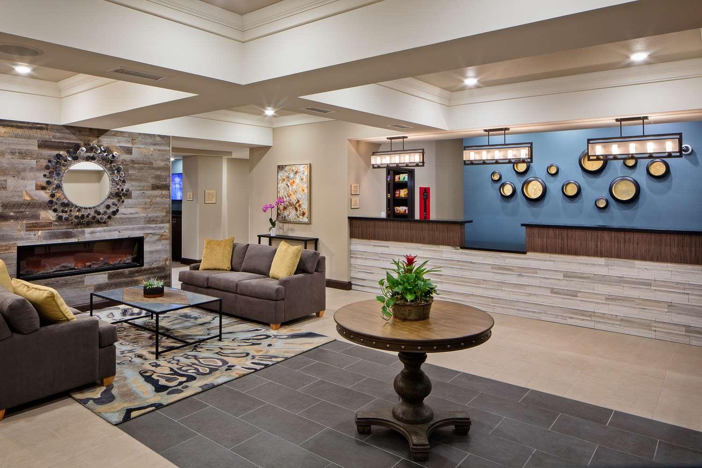 Lobby - Best Western Plus Overland Inn Fort Morgan
