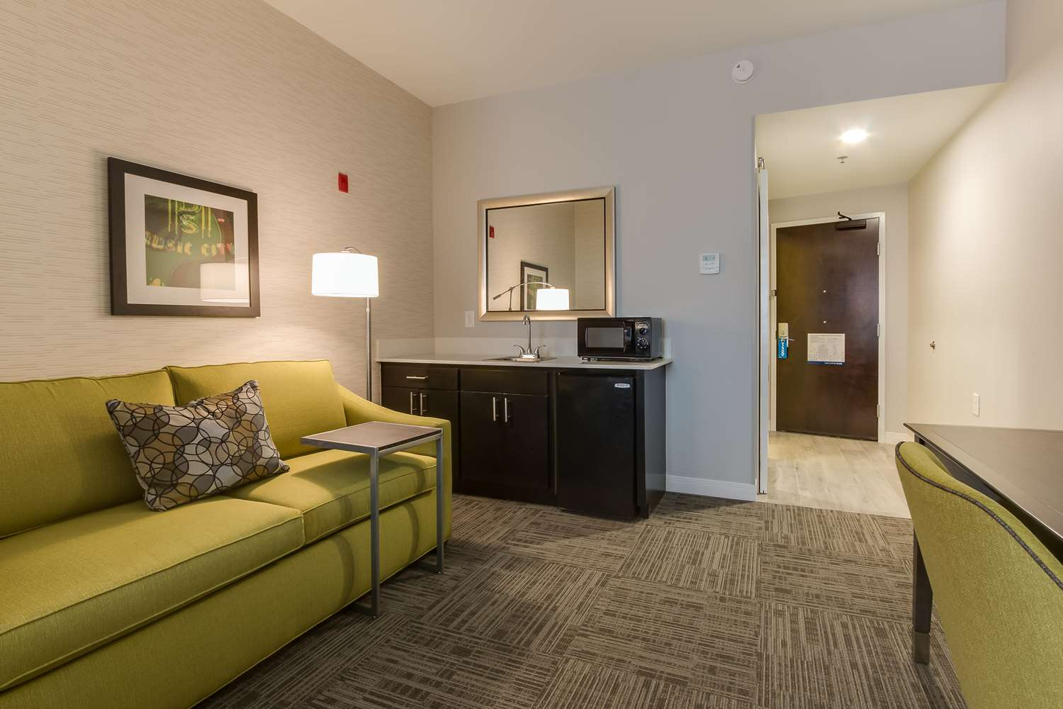 Room - Hampton Inn White House