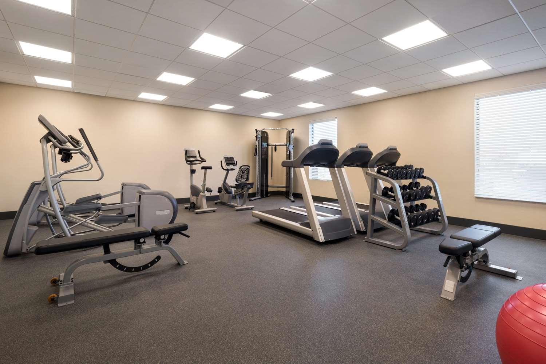 Fitness/ Exercise Room - Hampton Inn Elko