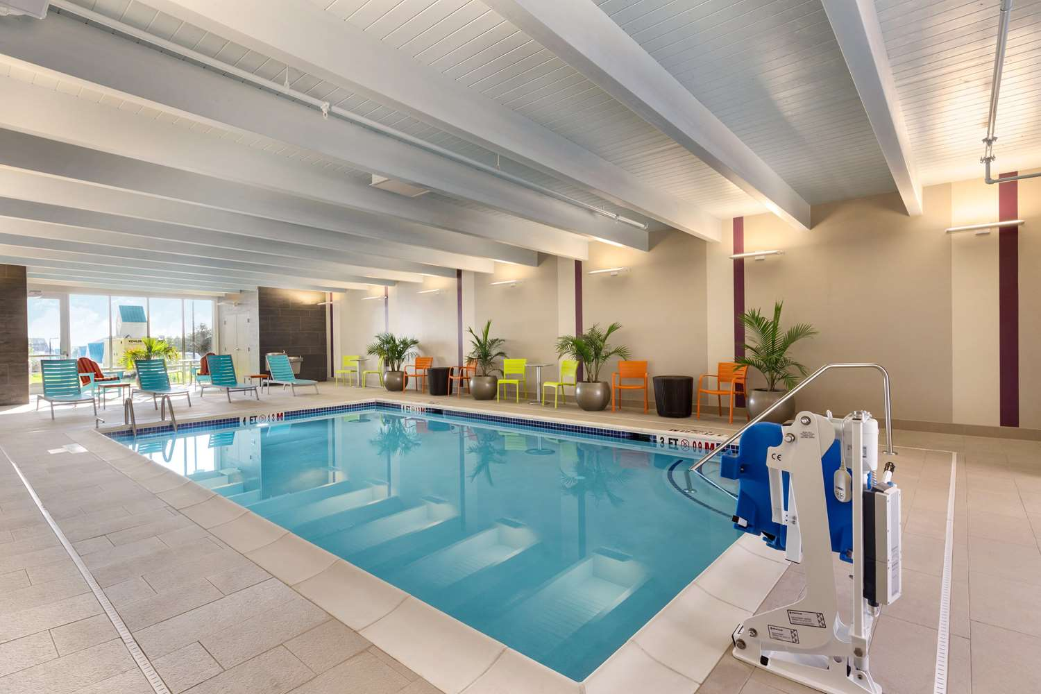 Pool - Home2 Suites by Hilton York