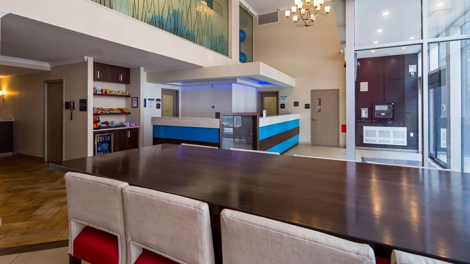 Lobby - Best Western Plus Hotel Montreal
