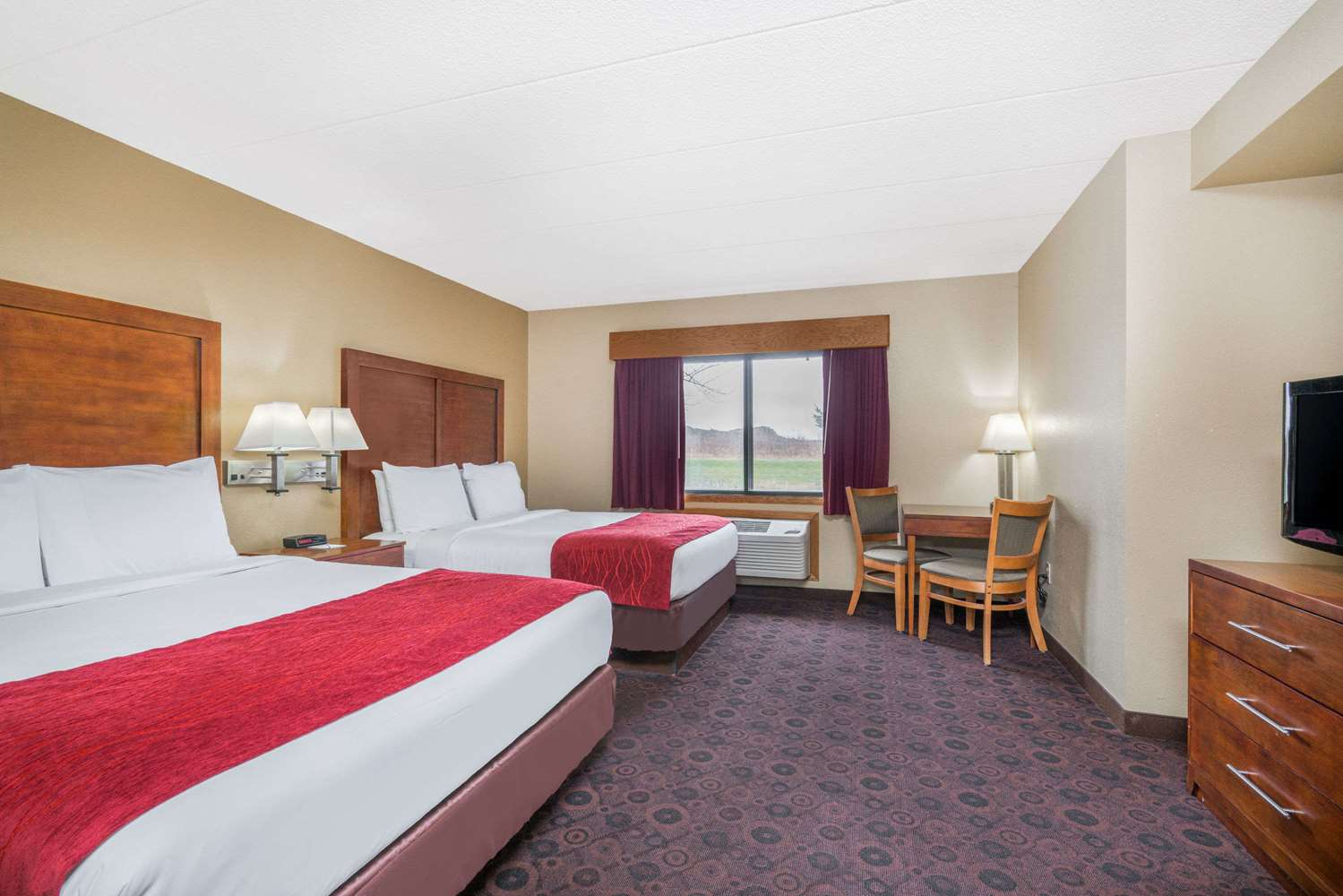 Room - Baymont Inn & Suites Kasson