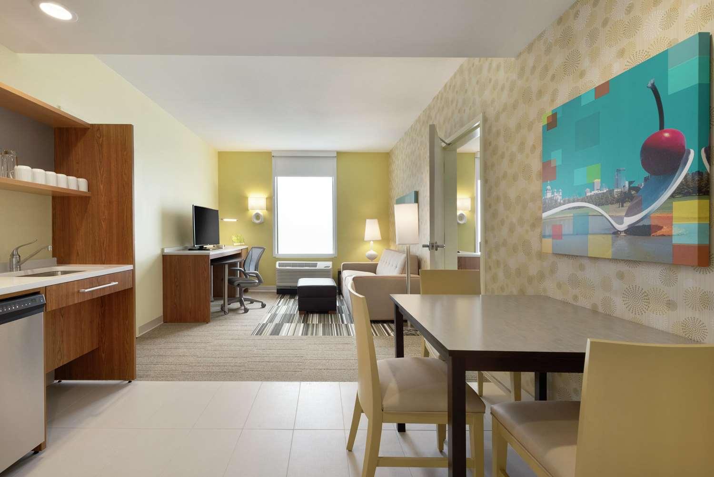 Room - Home2 Suites by Hilton Roseville