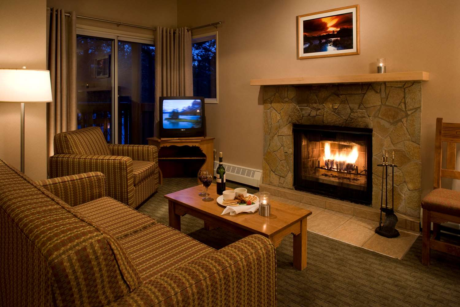 Suite - Banff Rocky Mountain Resort