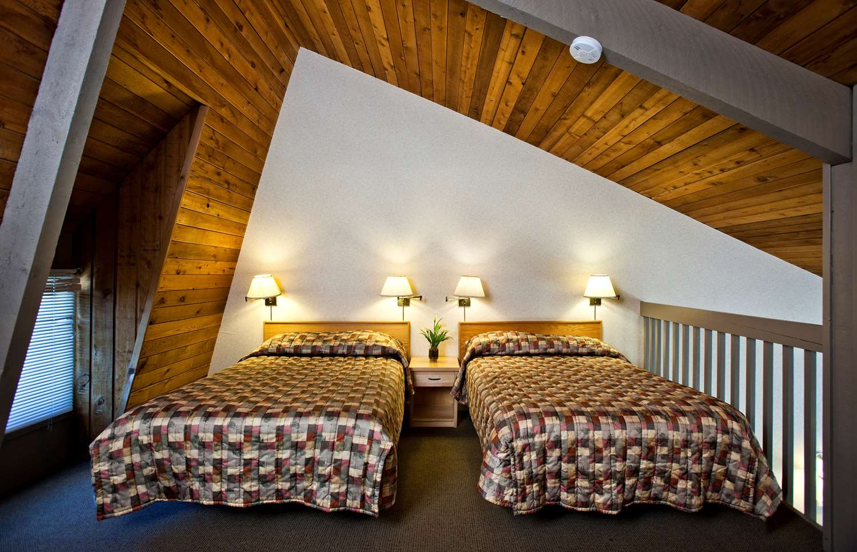 Room - Tunnel Mountain Resort Banff