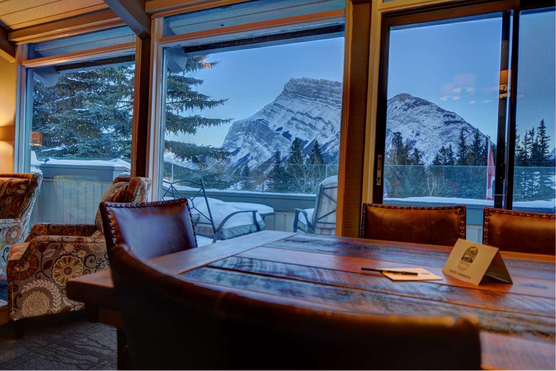 Restaurant - Tunnel Mountain Resort Banff