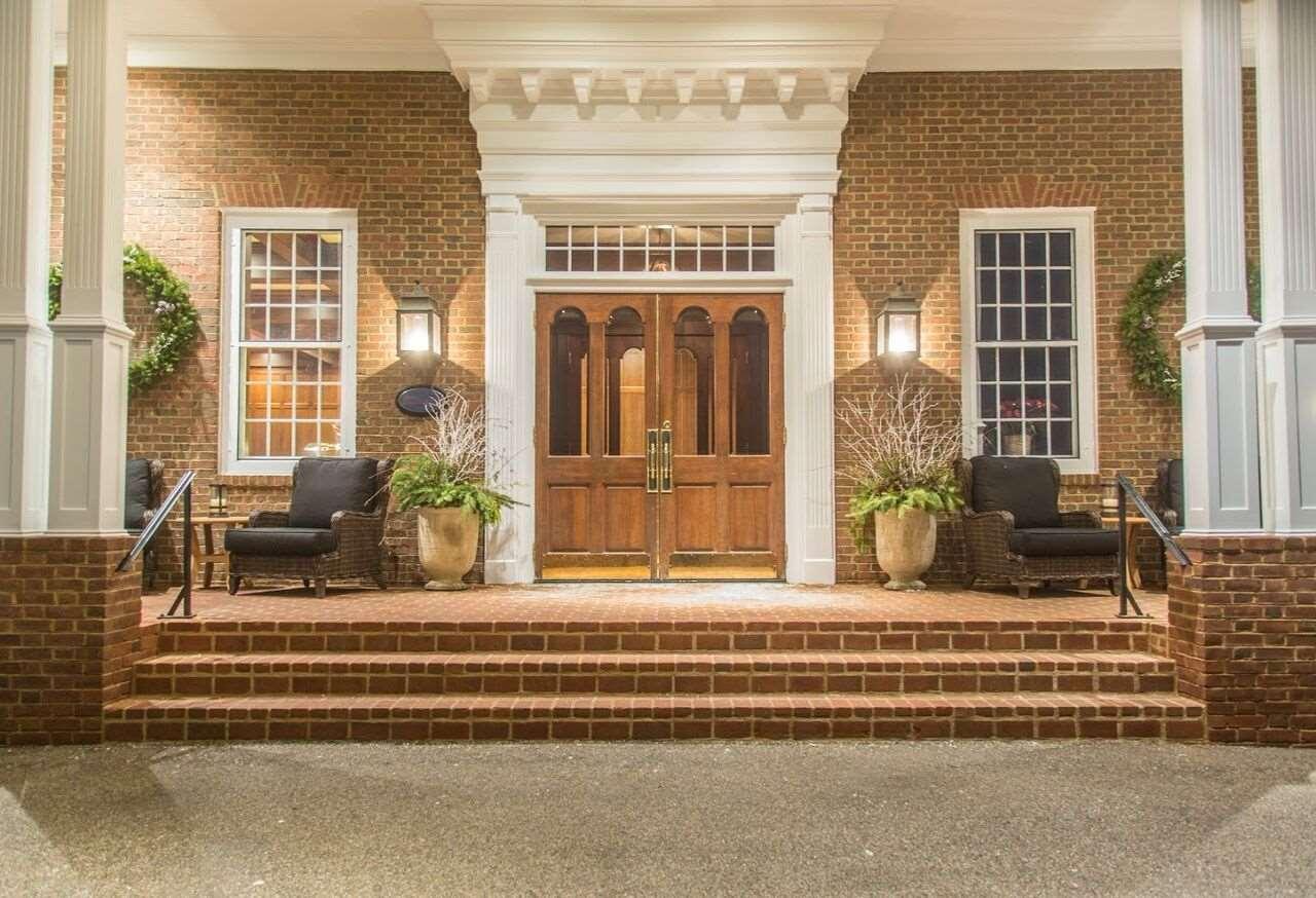 Exterior view - Delafield Hotel