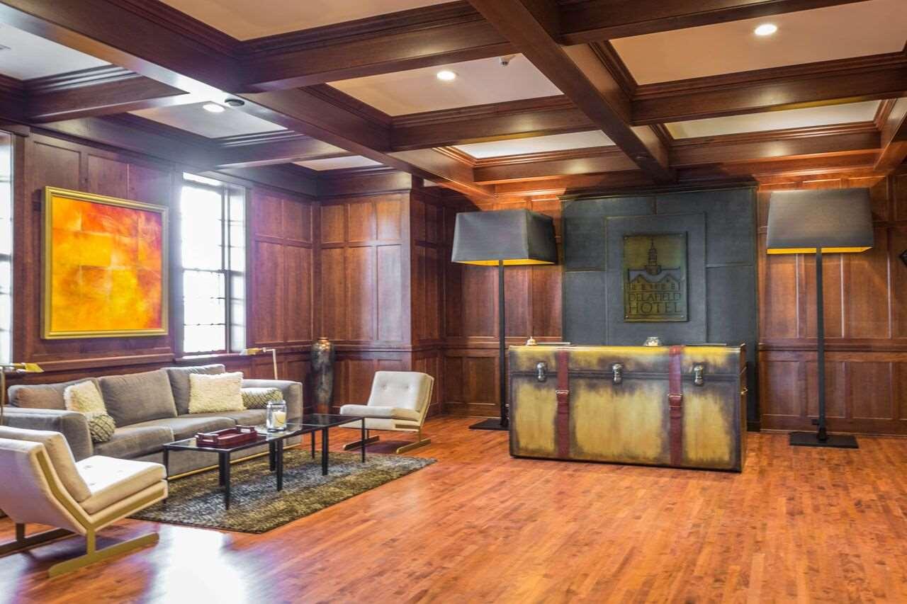 Lobby - Delafield Hotel