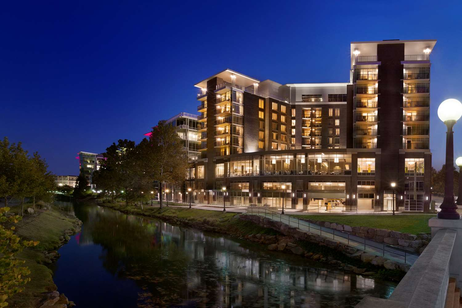 Exterior view - Embassy Suites Hotel Downtown Riverplace Greenville