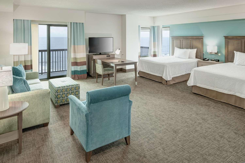 Room - Hampton Inn & Suites Oceanfront Carolina Beach