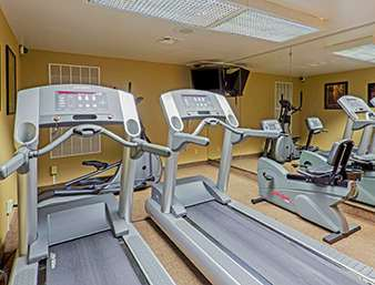 Fitness/ Exercise Room - Days Hotel Toms River