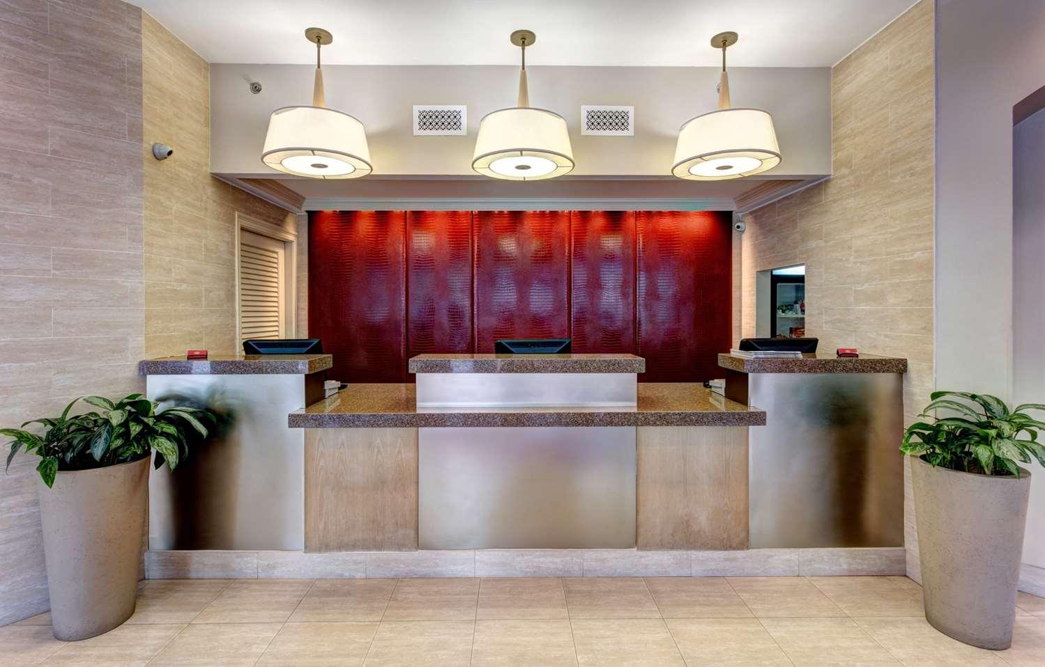 Lobby - Blake Hotel New Orleans