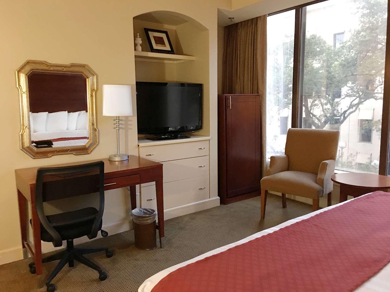 Room - Blake Hotel New Orleans