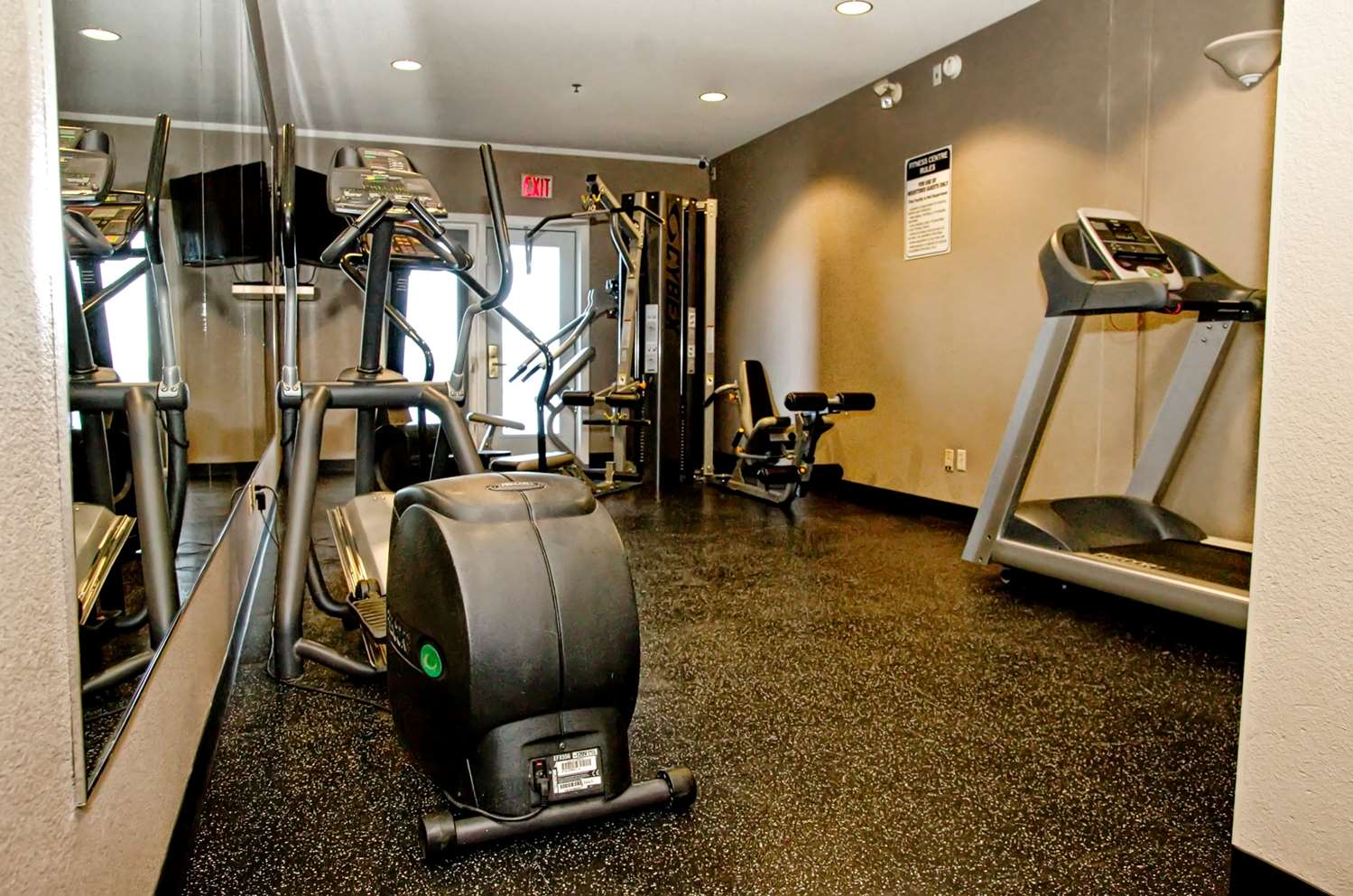 Fitness/ Exercise Room - Grand Winnipeg Airport by Lakeview Hotel