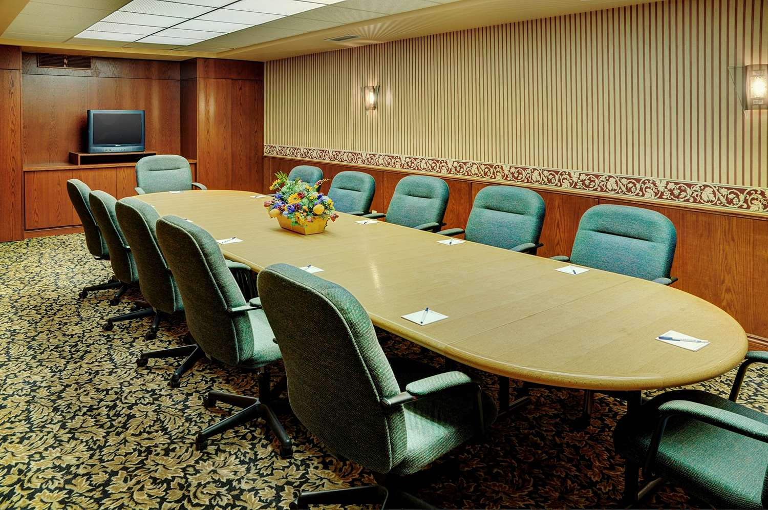 Meeting Facilities - Grand Winnipeg Airport by Lakeview Hotel