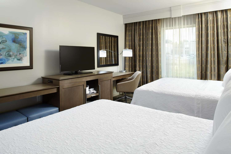 Room - Hampton Inn & Suites Airport South Pittsburgh
